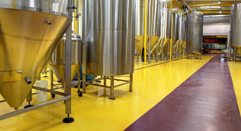 Полы для производства алкогольных и безалкогольных напитков