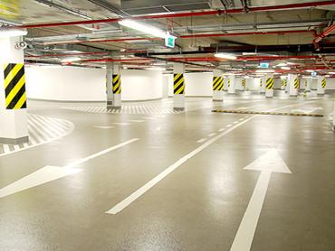 Способи підвищення безпеки на паркінгу завдяки покриттю на підлозі