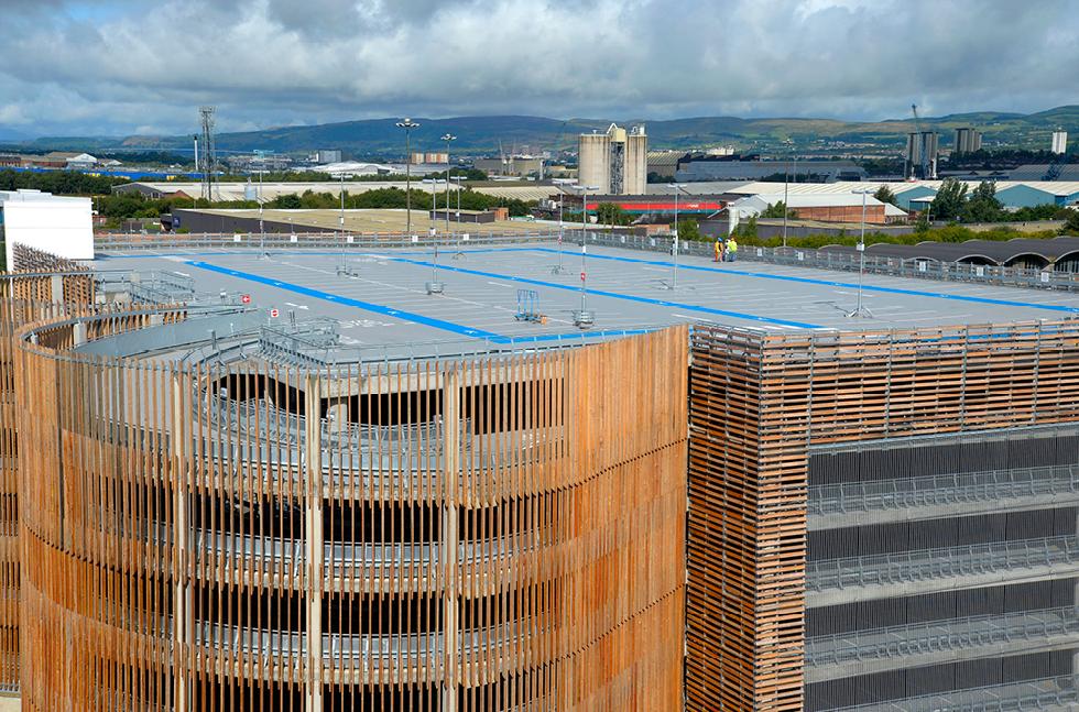 Паркинг госпиталя Университета Королевы Елизаветы - фото № 4