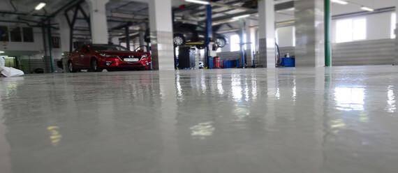 Реконструкція підлоги в СТО «Mazda»